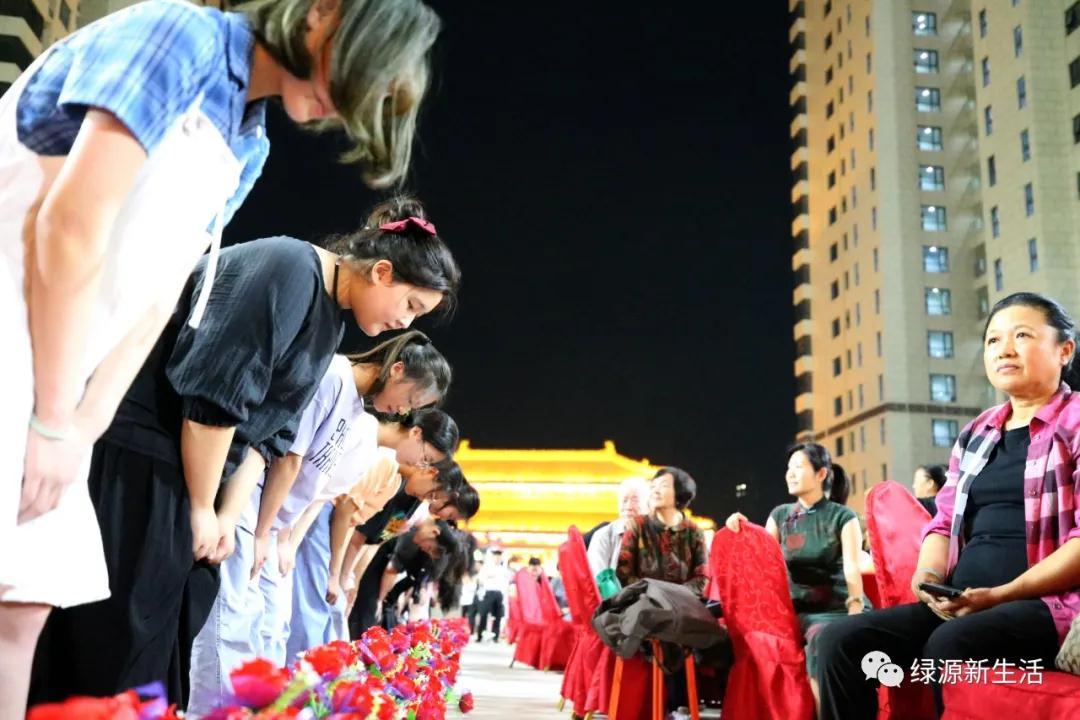 """运城一社区举办""""文化谢师礼""""激励青年学子爱党、爱国!"""